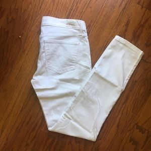 💕HOST PICK💕Levi's White skinny jeans 524